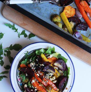 Farebný šalát s pečenou zeleninou
