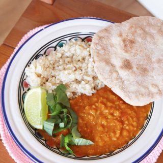 Exotický Indický dhal s pravým naan chlebíkom