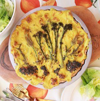 Slaný koláč s domácou quinoa smotanou